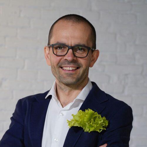 Dr Tomasz Jeżewski